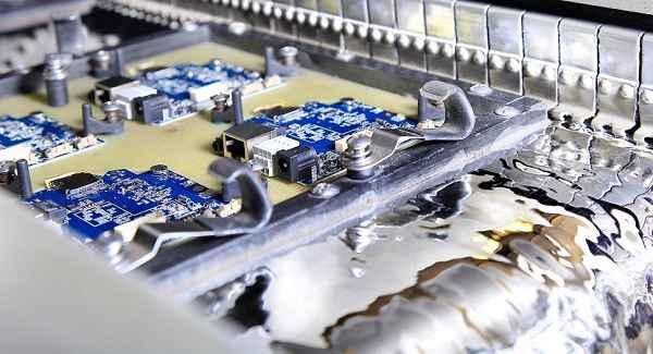 pcba贴片打样波峰焊的长期实践
